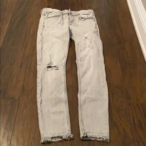 Comfortable grey jeans by Zara! Size 6/8!